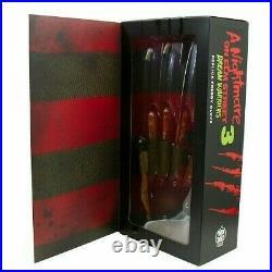 A Nightmare On Elm Street 3 Dream Warriors Deluxe Freddy Krueger Glove AEWB103