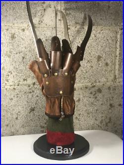 Freddy Krueger Metal Glove with Sweater Display Stand A Nightmare On Elm Street
