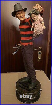 Freddy Krueger Premium Format Sideshow Statue Nightmare on Elm Street
