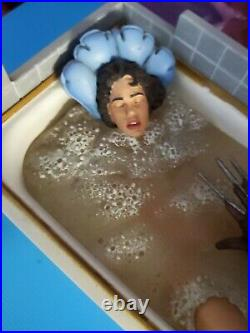 MEZCO A Nightmare On Elm Street Nancy Thompson Figure Cinema Of Fears figure