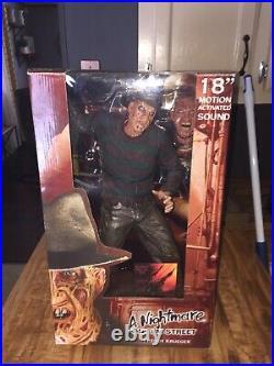 NECA A Nightmare On Elm Street Freddy Krueger 18 Inch Figure with Motion Sound
