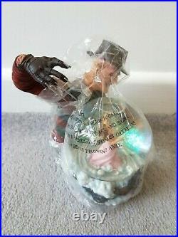 NECA A Nightmare on Elm Street Freddy Krueger Horror Globe with Box Figure Glove