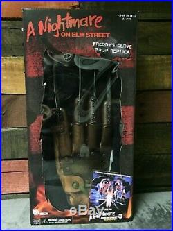 NECA Nightmare On Elm Street Part 3 Freddy Krueger Adult Prop Replica Glove