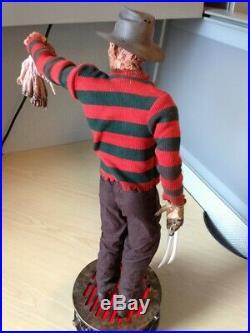 SIDESHOW Nightmare on Elm Street Freddy Krueger Premium Format