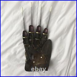 Signed Robert Englund A Nightmare On Elm Street 2 Freddy Krueger Deluxe Glove